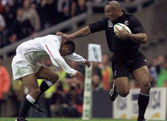 Jeremy Guscott column: I thought I had tackled Jonah Lomu – but like so many I was wrong!