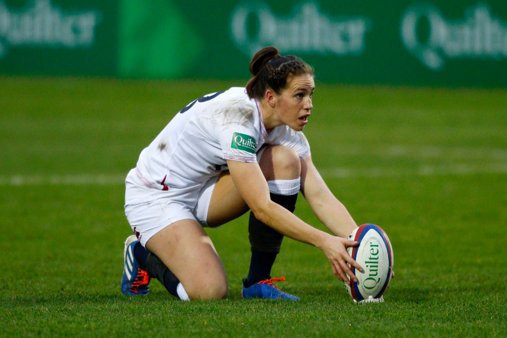 Emily Scarratt sets records as England keep up Six Nations defence