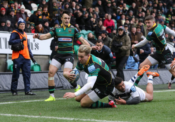 Harry Mallinder one of four key players to sign on with Saints