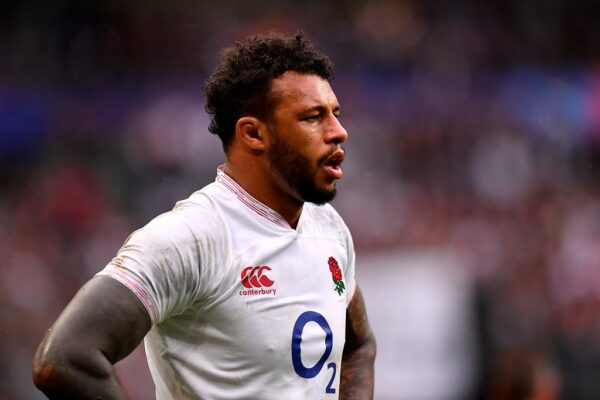 Courtney Lawes to stay in English rugby with new Northampton deal