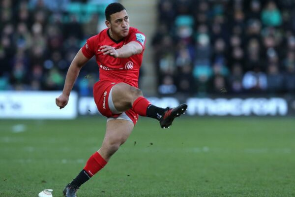 Saracens conclude agreement with emerging fly-half Manu Vunipola