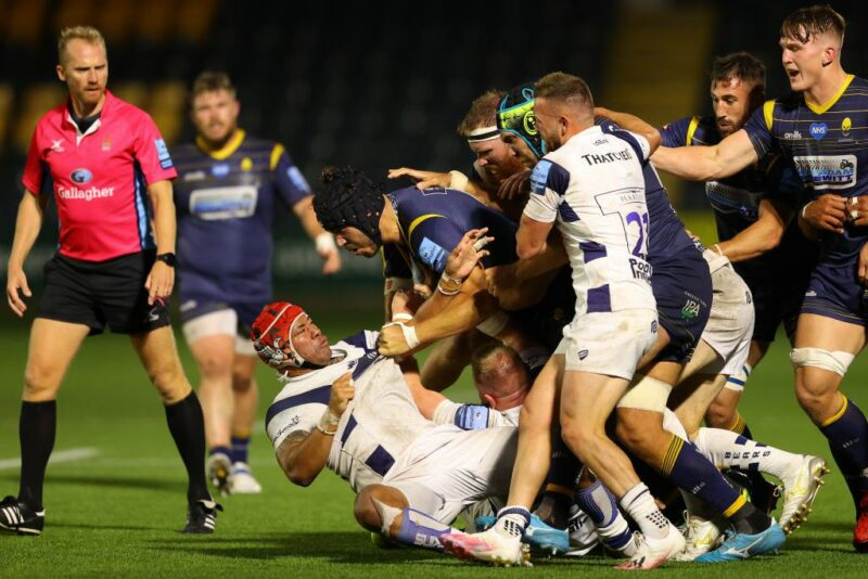 Bristol centre Siale Piutau goes to ground