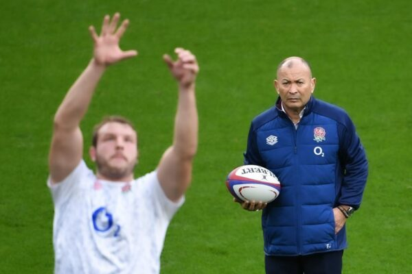 Eddie Jones sticks with Farrell-Slade-Lawrence in England backline to face Ireland