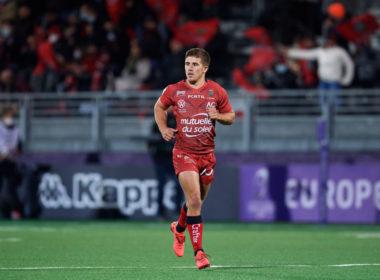 Toulon fly-half Louis Carbonel