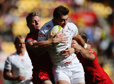 Bath have signed former England Sevens star Alex Gray