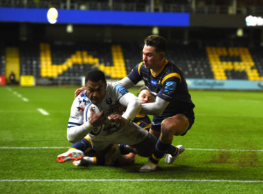 Bristol Bears wing Siva Naulago scores a try