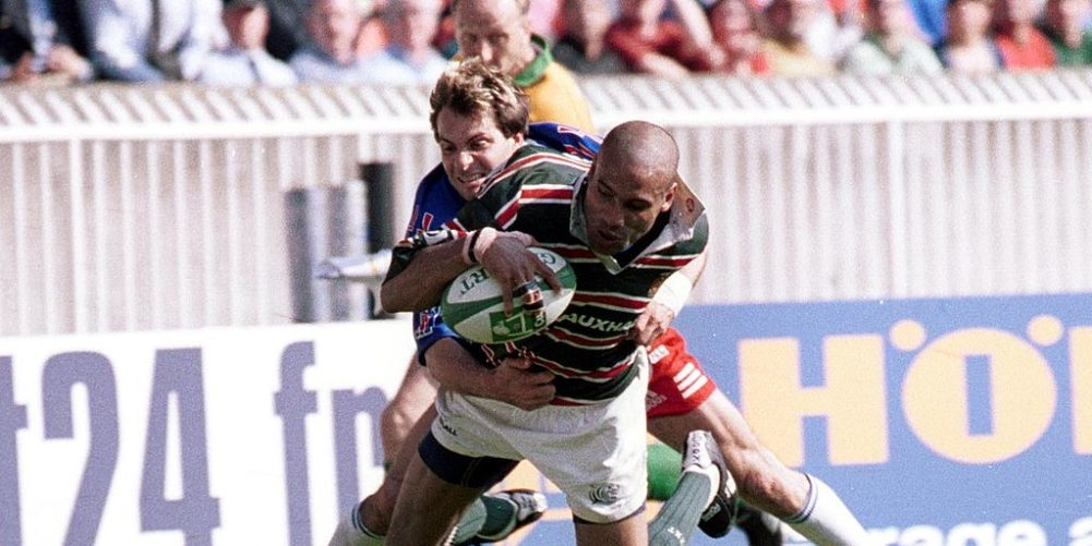 Leicester Tigers wing Leon Lloyd scores against Stade Francais